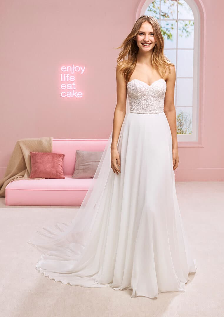 White One Brautkleid Halsey