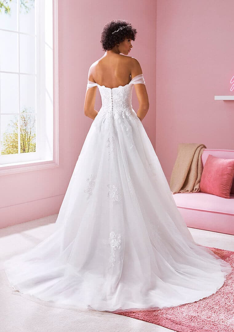 White One Brautkleid Lion