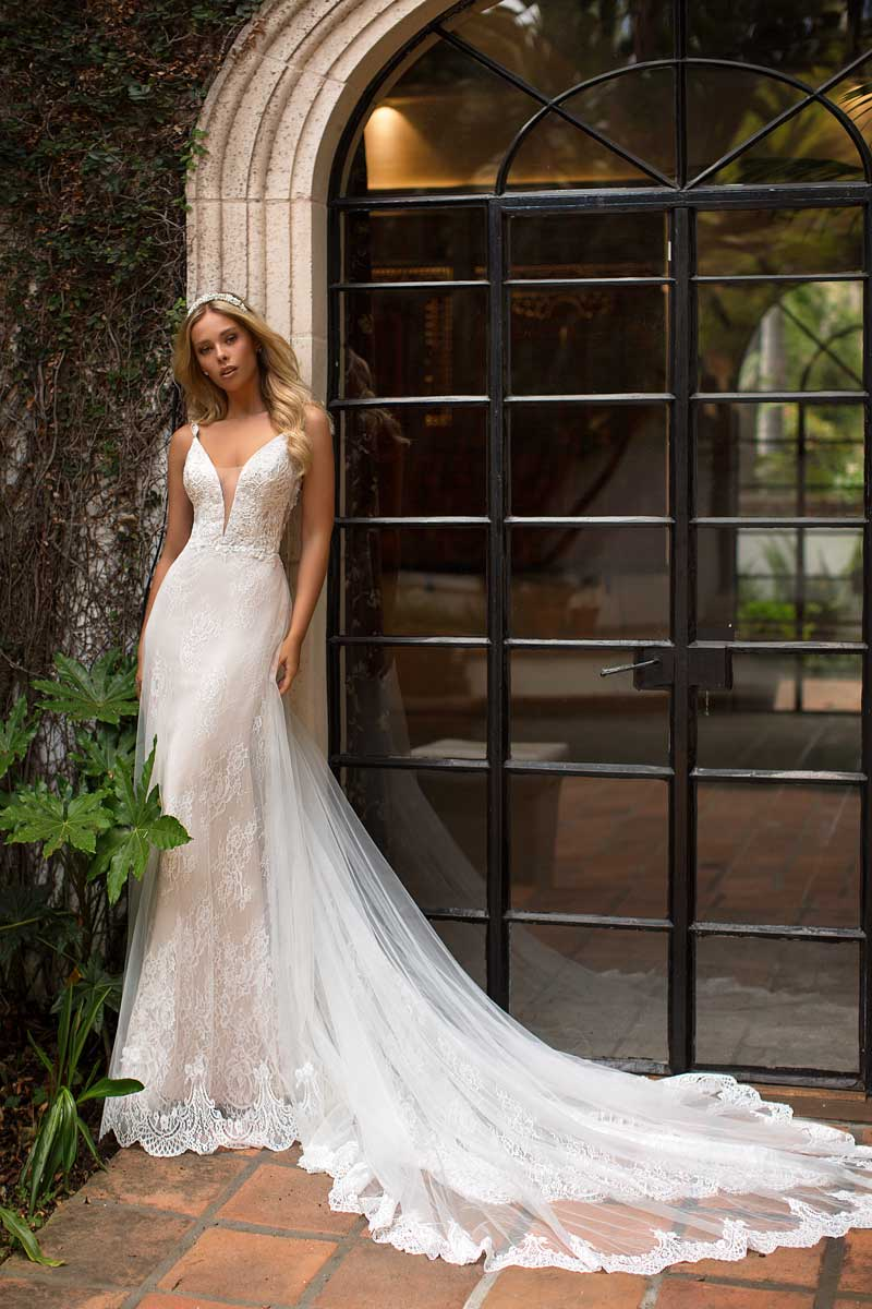 Moonlight Bridal Brautkleid J6702