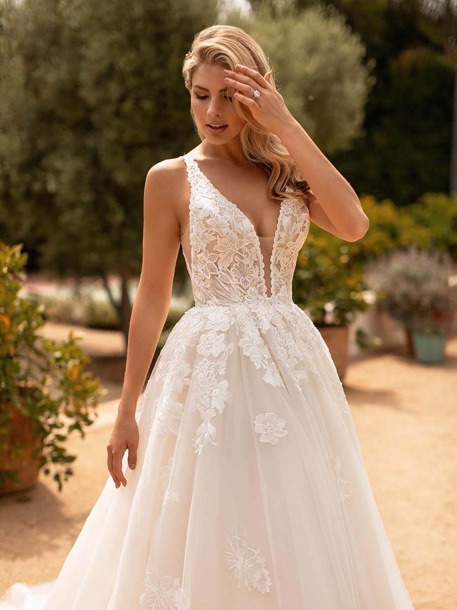 Moonlight Bridal Brautkleid J6778