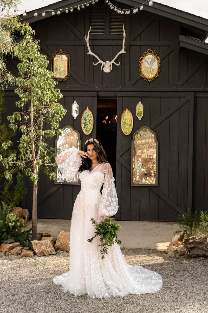 Brautmoden Raine All Who Wander