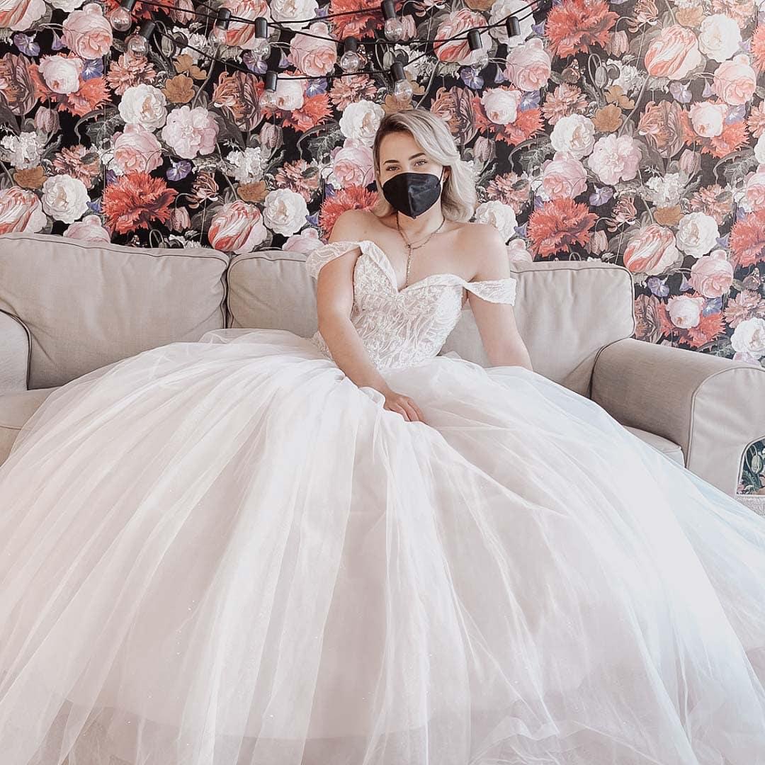 Brautkleider-Brautmoden-Hochzeitskleider