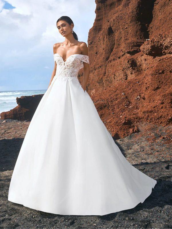 A-Linie Mikado Hochzeitskleid in A-Linie mit Herzchen-Ausschnitt.
